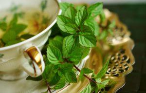 Освежающий чай с мятой