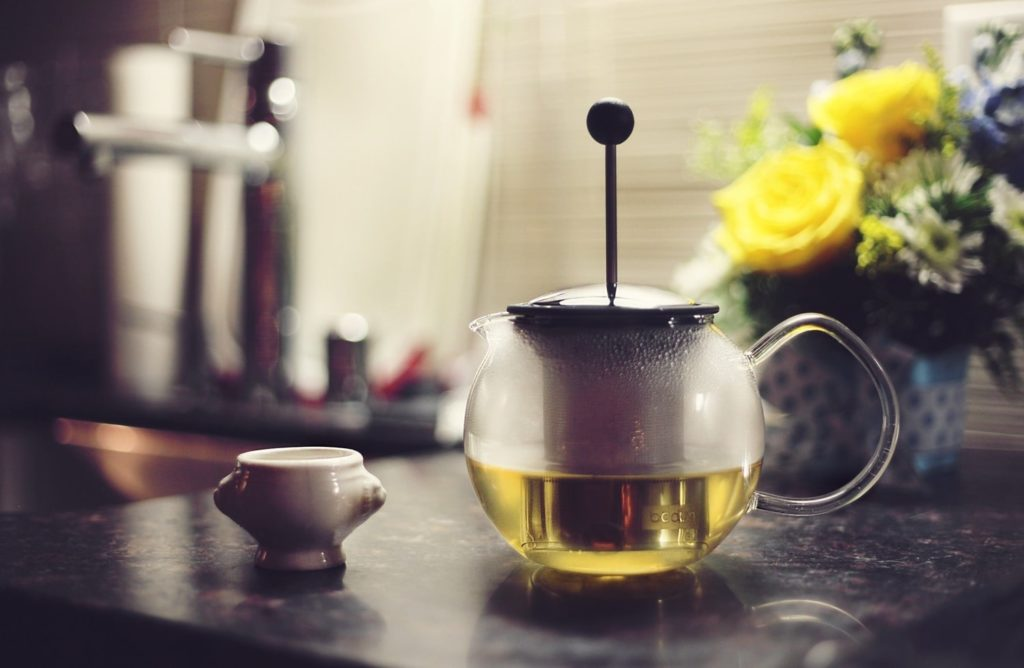 зеленый чай в заварнике
