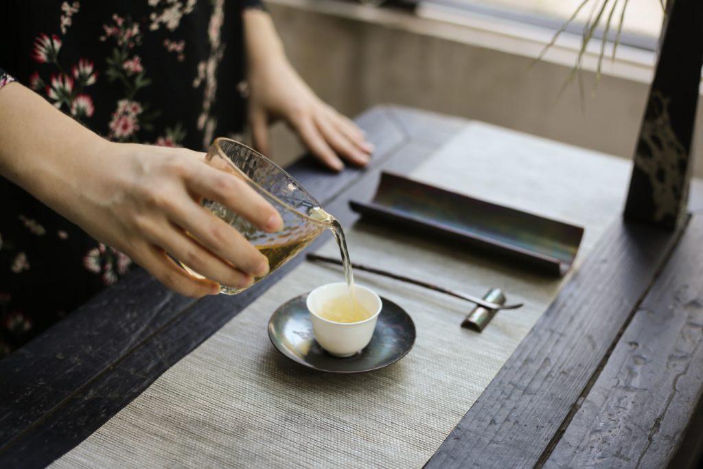 Процеженный гречишный чай
