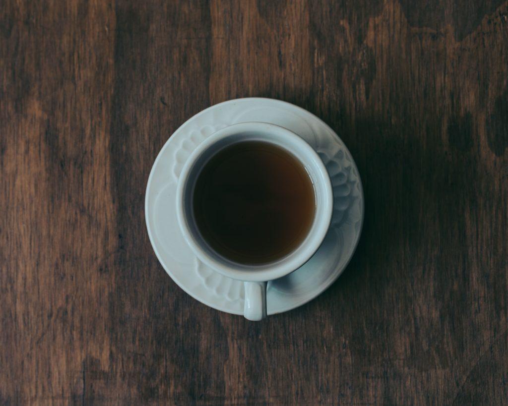 Чашка черно чая