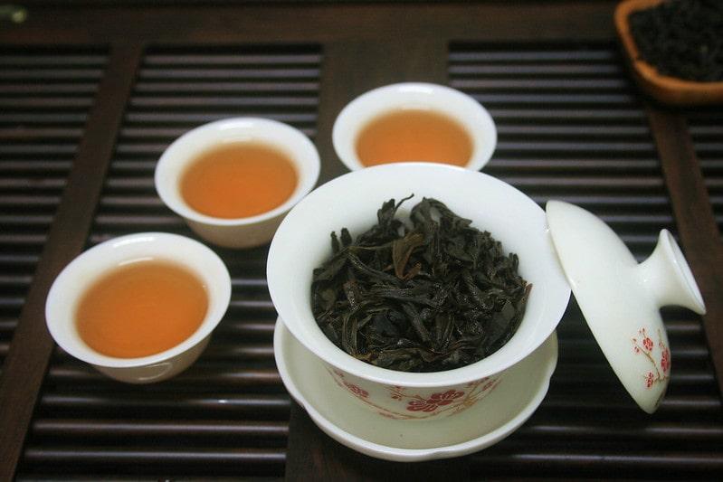 Да Хун Пао чай в чашках
