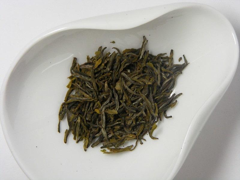 Высушенный желтый китайский чай