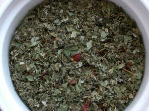Чай из лесных листьев